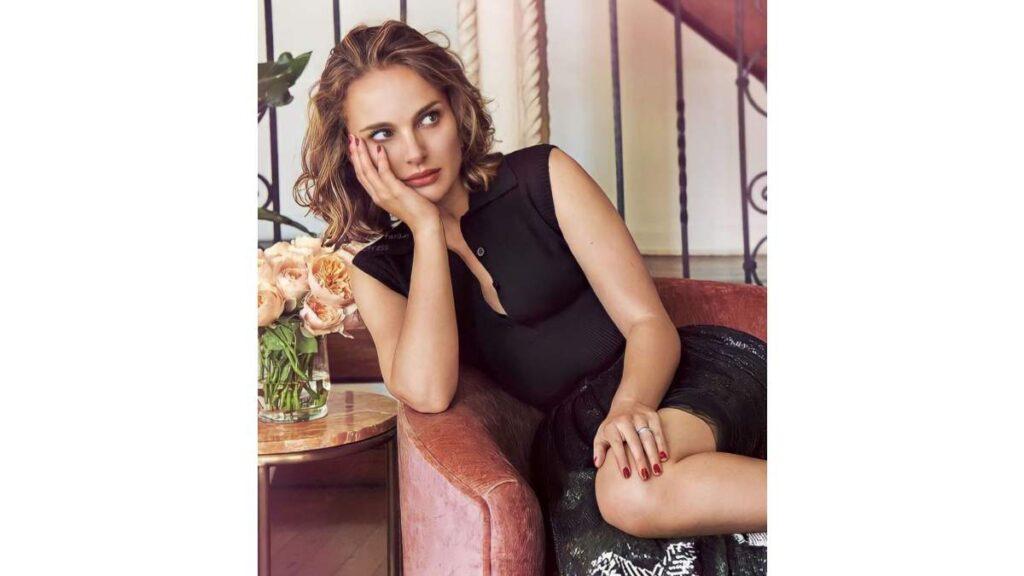 Natalie Portman Instagram, Facebook and Twitter Account